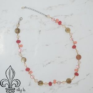 Jewelry - 💕Pink gemstone necklace💕